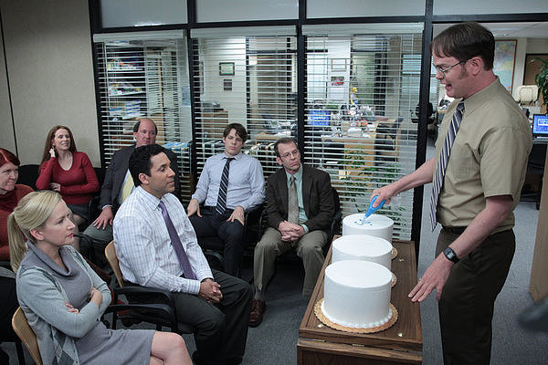 Kate Flannery, Catherine Tate, Angela Kinsey, Oscar Nunez, Brian Baumgartner, Jake Lacy, Paul Lieberstein, and Rainn Wilson on the series finale of The Office.
