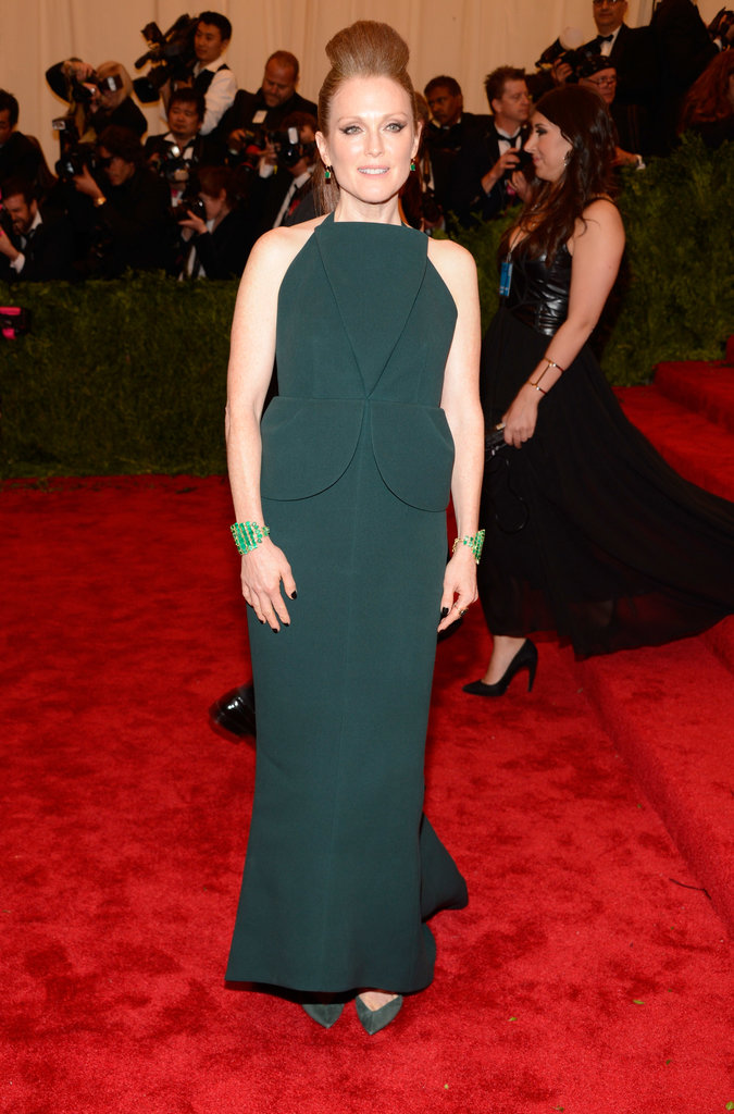 Julianne Moore stuck to her signature color in a green Balenciaga by Alexander Wang peplum gown and Irene Neuwirth jewels.