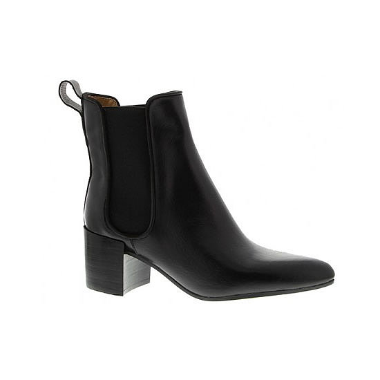 These remind of the killer R.M. Williams boots that Dion Lee paired with his entire S/S '13-'14 collection. Smart, modish but uniquely Australian. — Ali, fashion editor Boots, $ 199.95, Tony Bianco