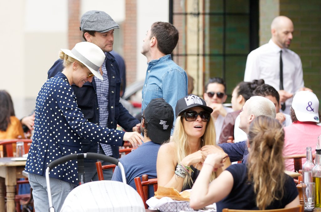 Diane Kruger and Joshua Jackson chatted with a few fans.