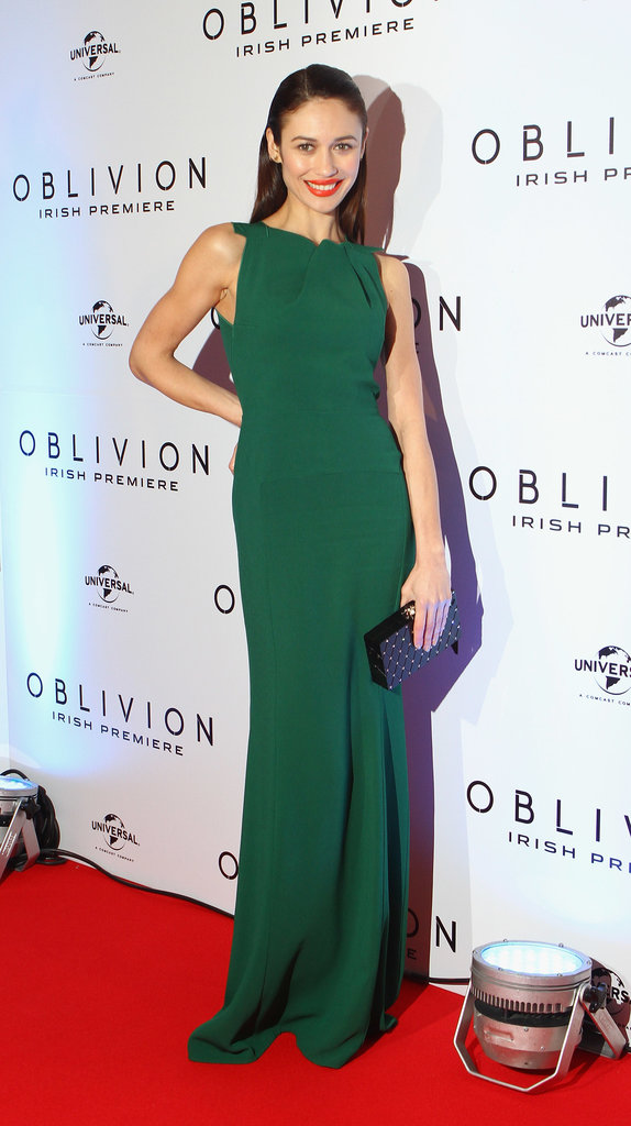 Olga Kurylenko's green Roland Mouret gown was simple in silhouette, but the pleated neckline gave it that something special. With such an easy aesthetic, this dress can easily work for a garden affair.