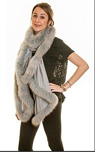 Fine-Pashmina Shawl Trimmed with Grey Fox Fur