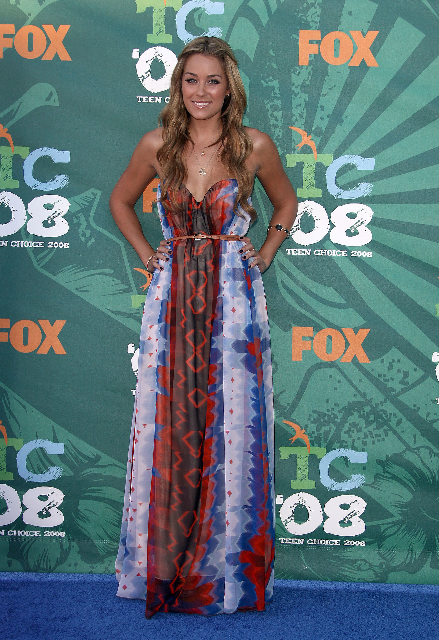 Lauren cinched her breezy printed maxidress with a thin leather belt at the 2008 Teen Choice Awards. Lesson from Lauren: a colorful maxi is a welcome change from standard minis.