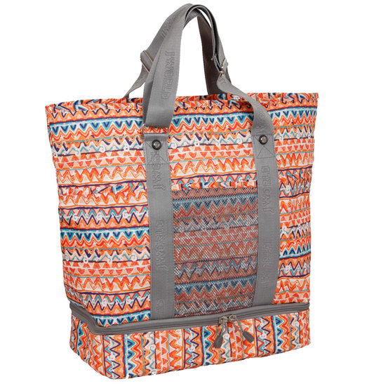 Multiple pockets and compartments inside the top half of this J World Elaine Tote ($45) keep all your valuables safe, and there's an insulated bottom to hold all your drinks. There's also a mesh pocket on the front of the bag that's another helpful resource to keep you organized.