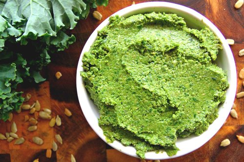 Kale & sunflower pesto