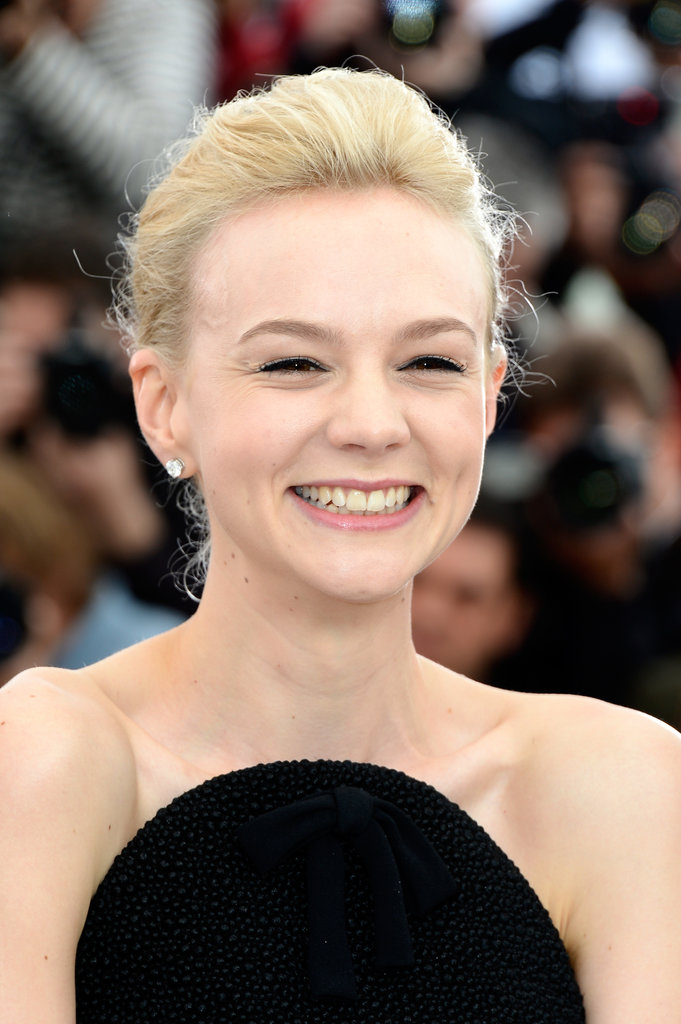 Carey Mulligan wore her hair pulled back for The Great Gatsby photo call.