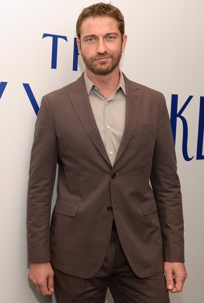 Gerard Butler is in talks for The Raven, a futuristic sci-fi action flick.