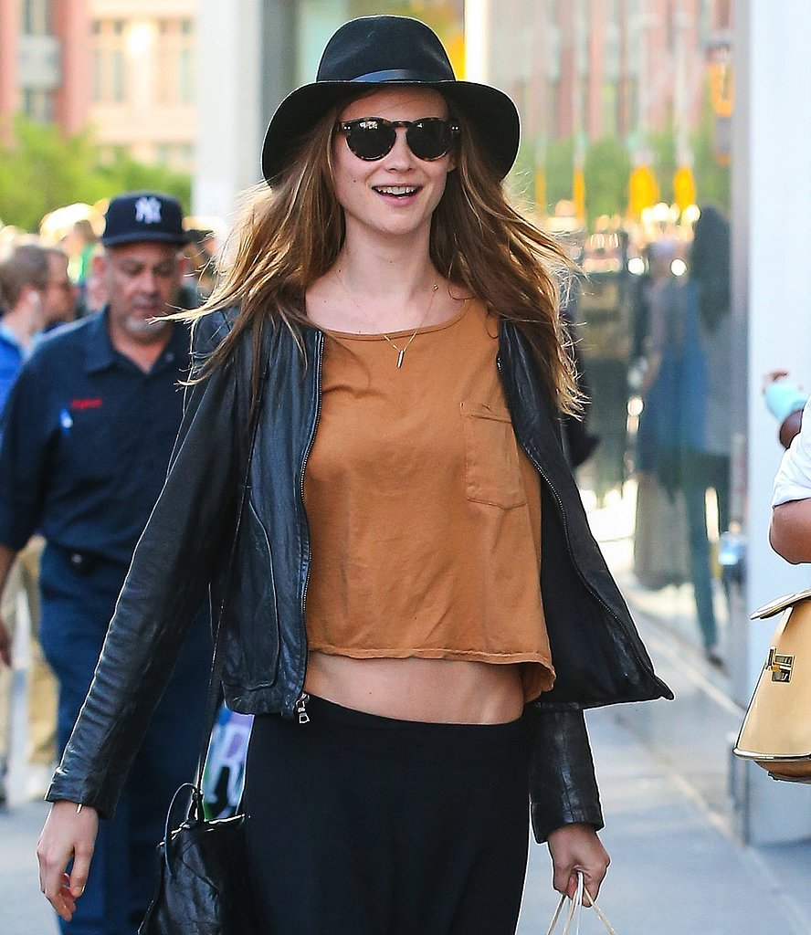 Behati Prinsloo edged up the streets of NYC in her round tortoiseshell sunglasses and black hat. To do the same in your city, score these Illesteva round tortoiseshell sunglasses ($173)