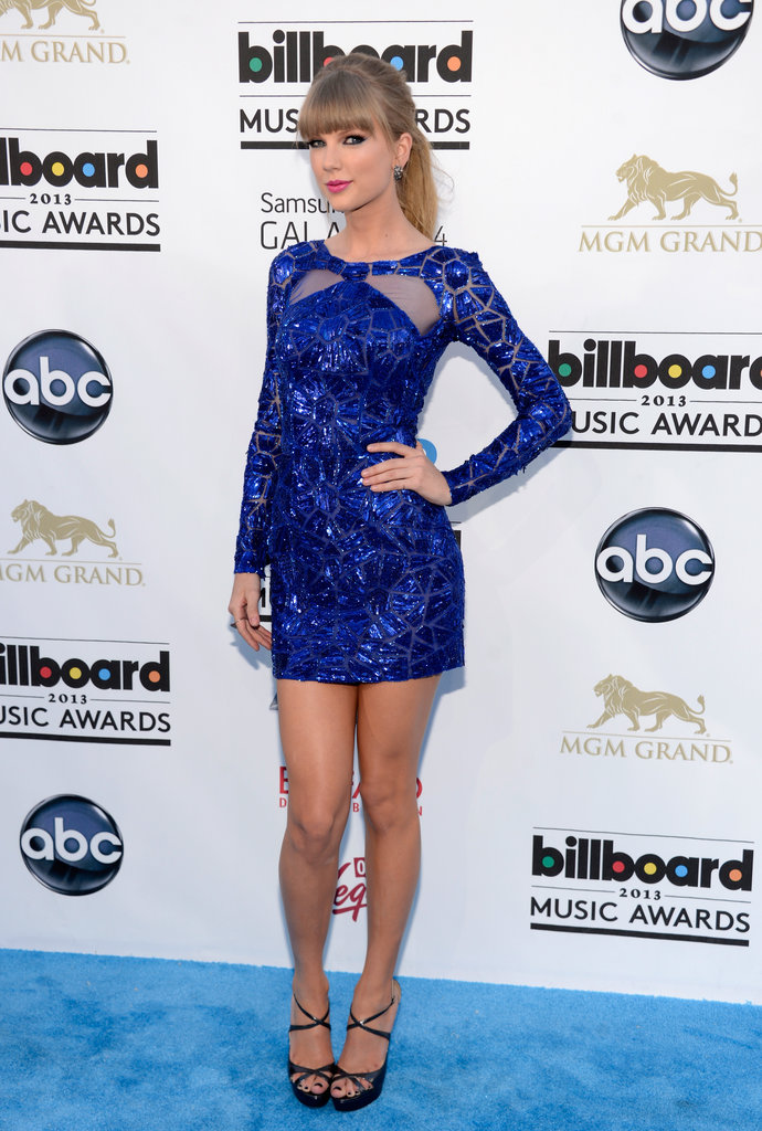 Taylor Swift Belly Expansion Taylor swift in zuhair murad