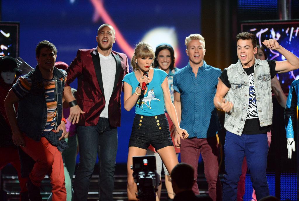 """Taylor Swift sang """"22"""" at the Billboard Music Awards."""