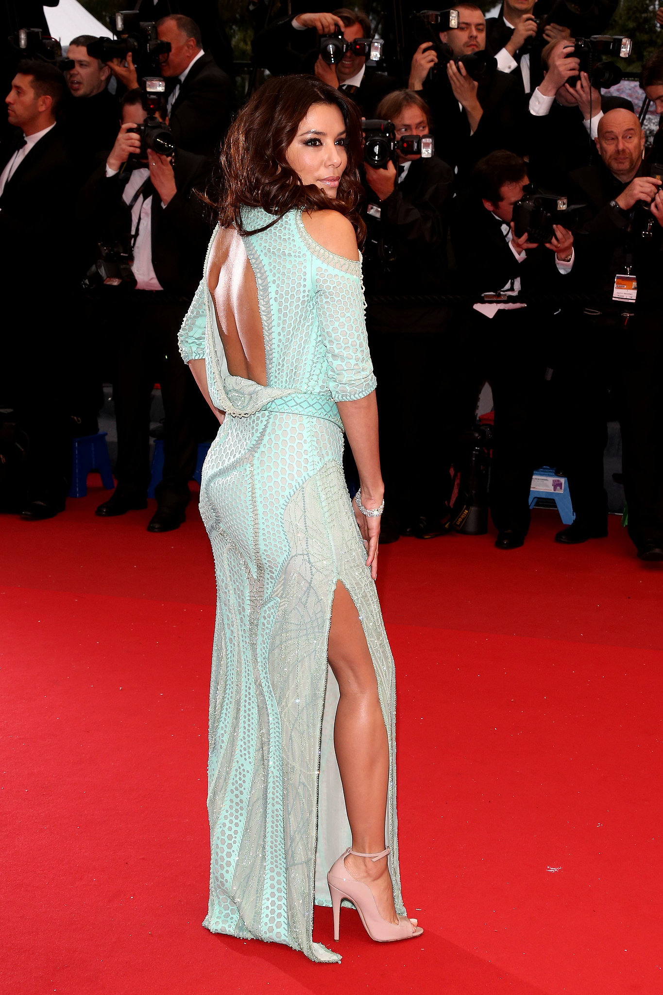 Eva Longoria wore a Versace Atelier gown to attend the premiere of Jimmy P. in Cannes.