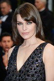 Milla Jovovich showed us how to wear a fringe to the side, and wore a smoky eye that made those baby blues pop!