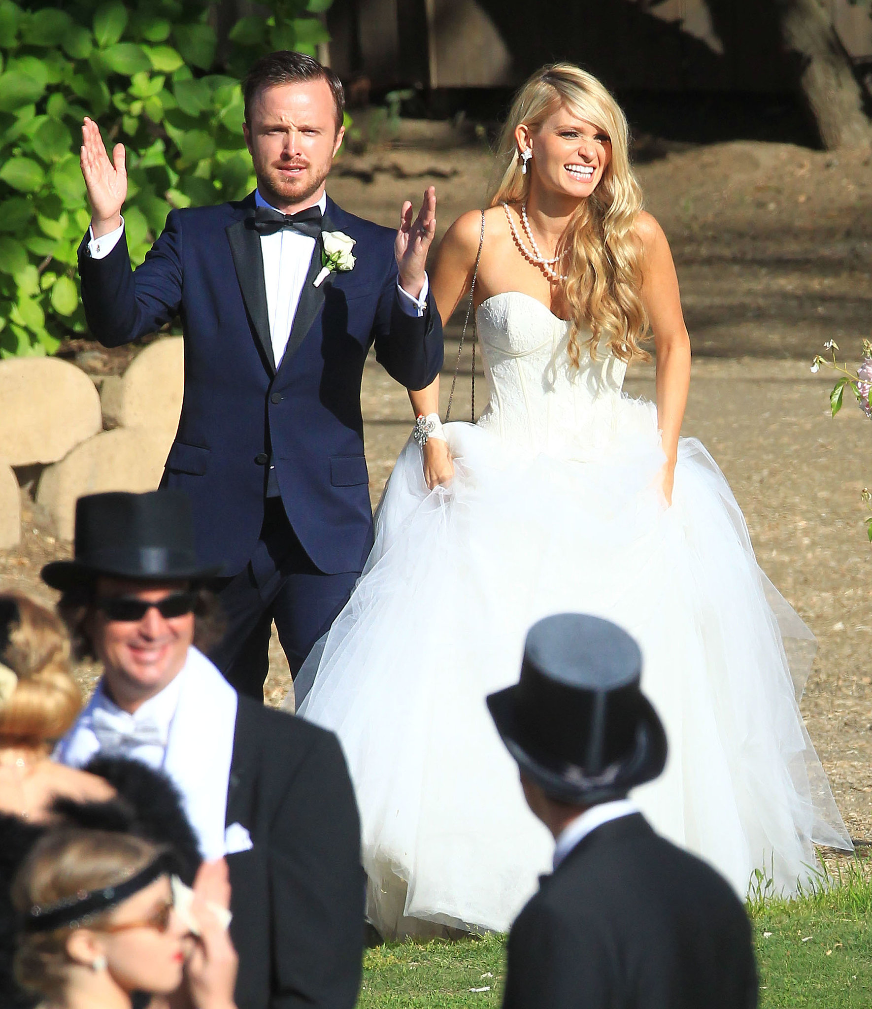Stunning Aaron Paul and Wife Wedding 1770 x 2048 · 597 kB · jpeg