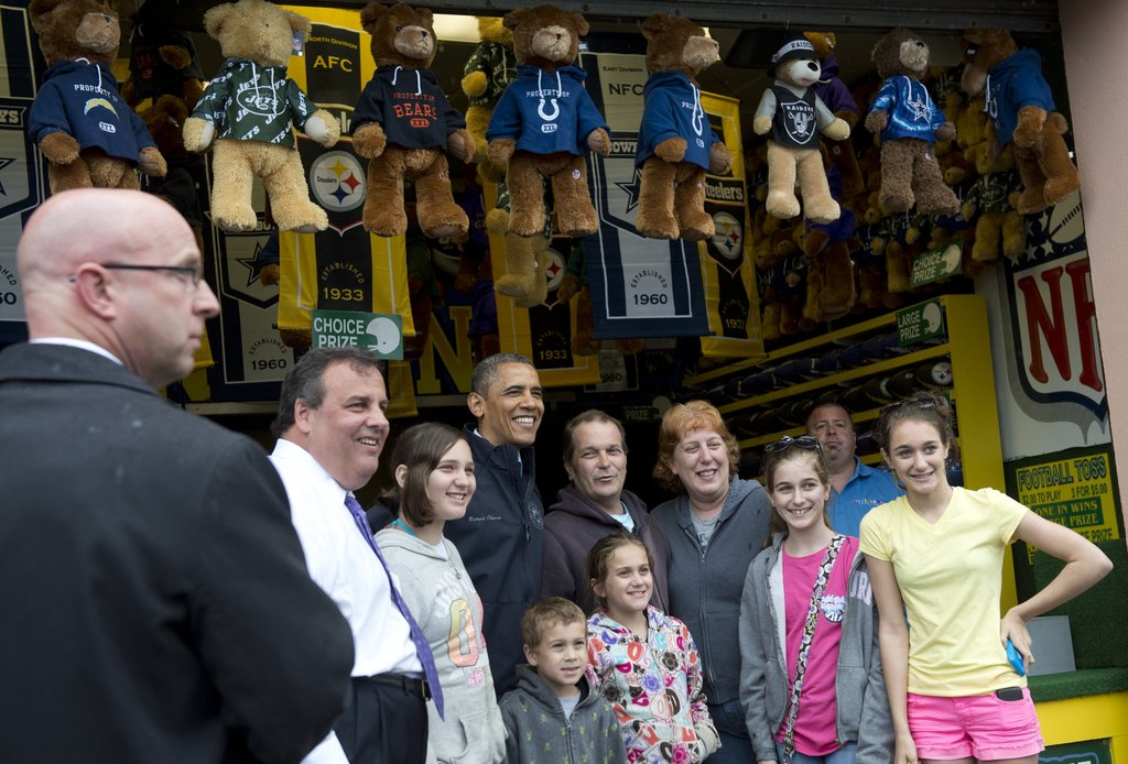 President Obama and Governor Chris Christie stopped to pose for some photos during their Jersey Shore visit.