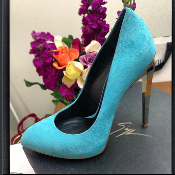 Can you blame Jesinta Campbell for snapping up these turquoise Giuseppe Zanotti pumps? Source: Instagram user jesinta_campbell