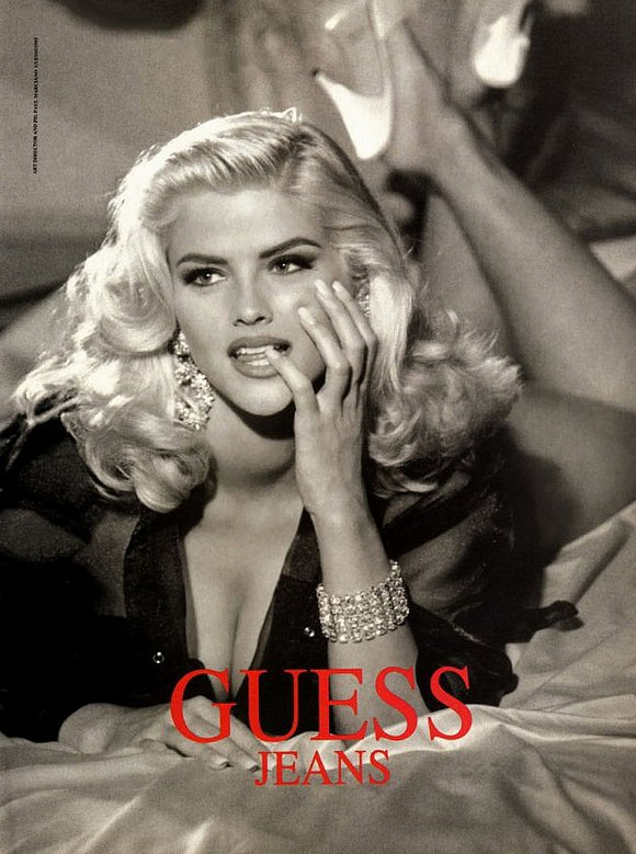 "The late Anna Nicole Smith gained fame by modeling for Guess Jeans and Playboy and bared a striking resemblance to Marilyn Monroe. Anna Nicole was so inspired by the actress that she once told the press, ""I want to be the new Marilyn Monroe."" She also explained, ""I just feel a connection with Marilyn Monroe. I just love her. I just completely feel what she went through."" Sadly, both women died of drug overdoses — Marilyn at 36 and Anna Nicole at 39."