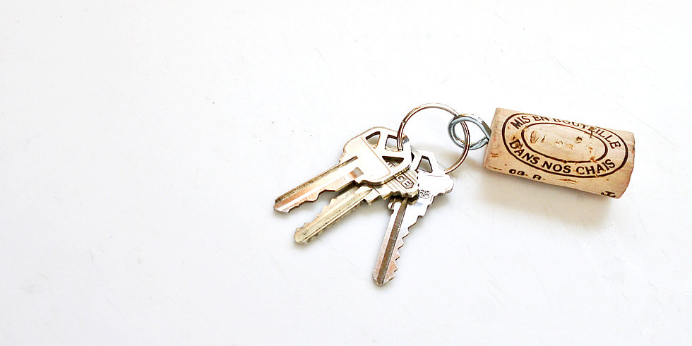 Perfect For Vino-Loving Dads: Wine-Cork Key Chain