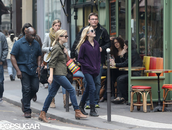 Reese Witherspoon walked around Paris with her daughter, Ava.