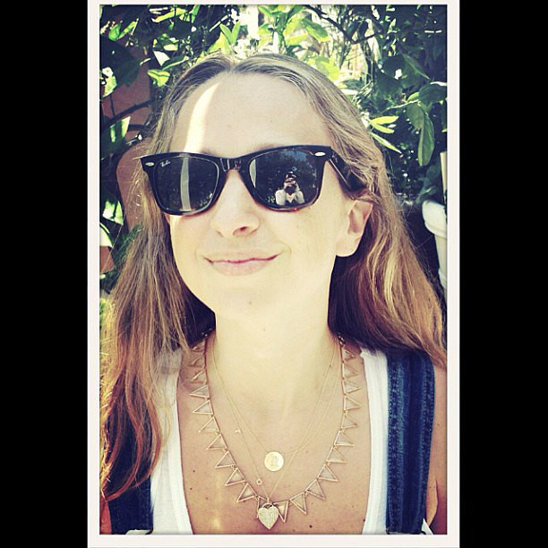 Jennifer Meyer shared a snap while mixing and matching her jewels on a sunny day.  Source: Instagram user jenmeyer