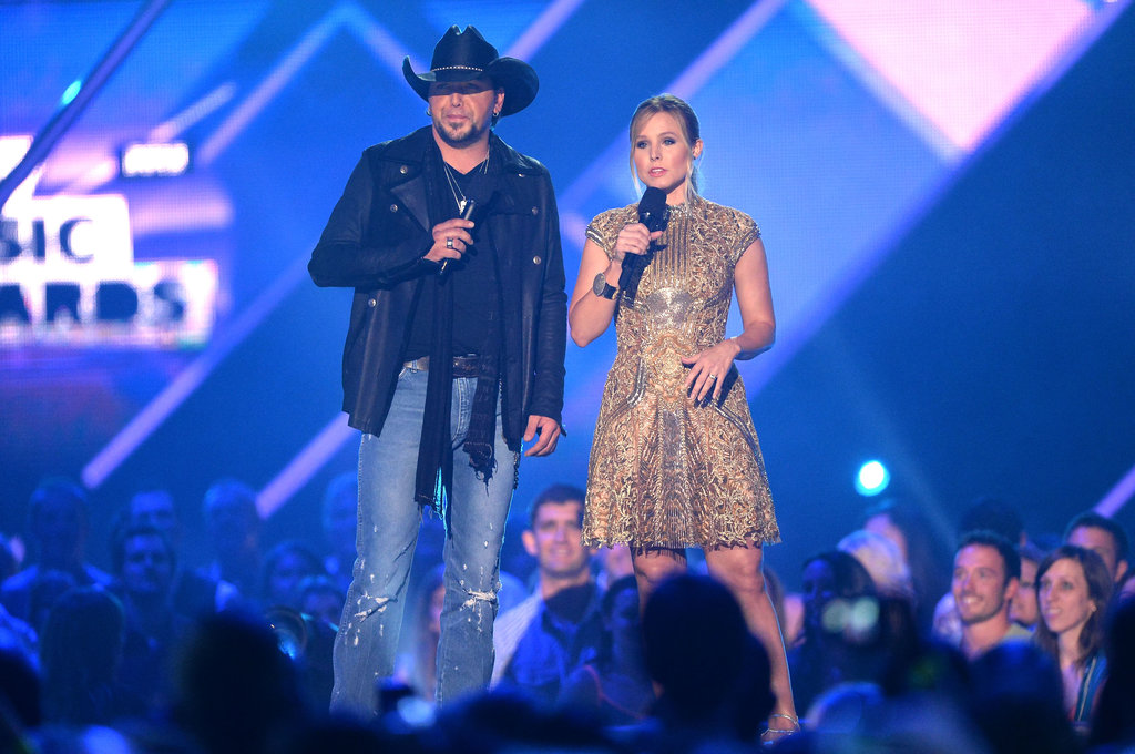 Hosts Jason Aldean and Kristen Bell opened the show.