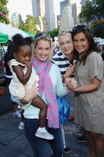 Ali Wentworth and Mariska Hargitay met up at the 2013 Baby Buggy Bedtime Bash.