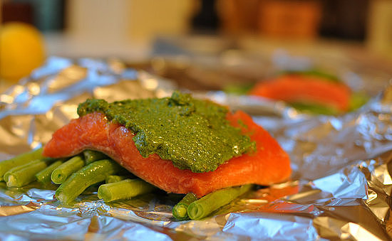 Salmon With Spinach and Sunflower Pesto