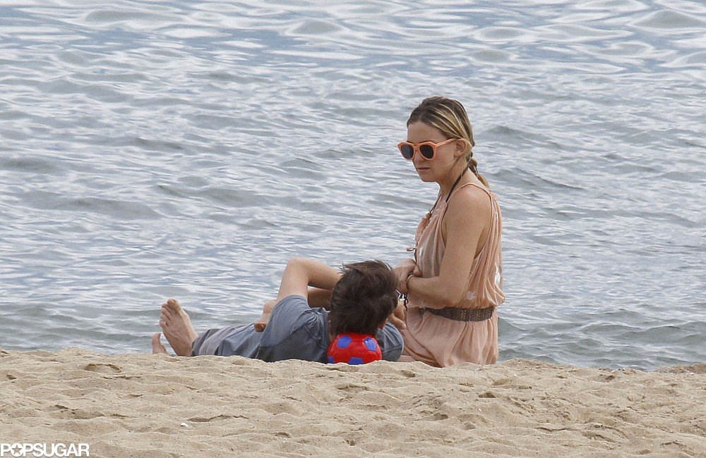 Kate Hudson Hangs in Barcelona With Her Boys