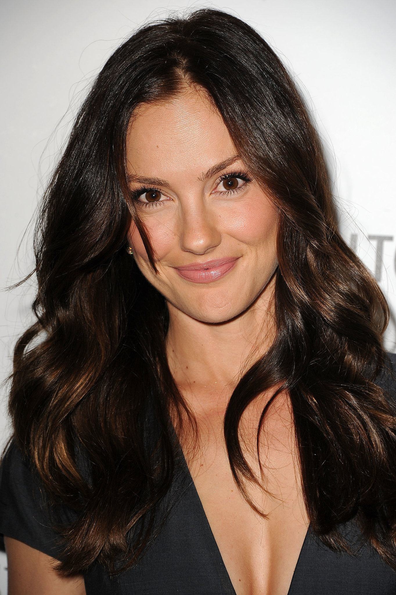 Looking like she'd just stepped out of the surf, Minka Kelly used her waves to show off a new hair hue.