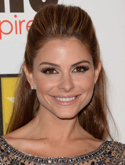 Maria Menounos was glowing with flawless skin, a subtle smoky eye, and a voluminous half-updo.