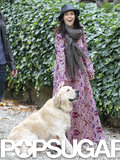 Jennifer Love Hewitt made friends with a Golden Retriever in Florence, Italy.