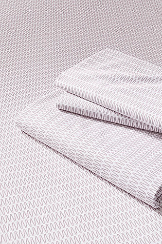 200-count Percale Printed Zigzag Flat Sheet