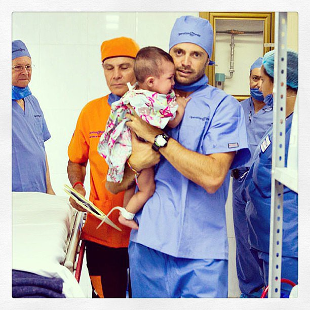Brooke Burke-Charvet shared a photo of her husband at the hospital. Source: Instagram user thebrookeburke