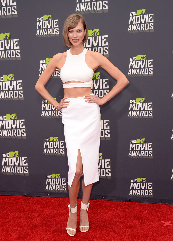 White tends to be angelic, but Karlie Kloss was anything but in her Cushnie et Ochs cutout ensemble at the 2013 MTV Movie Awards.