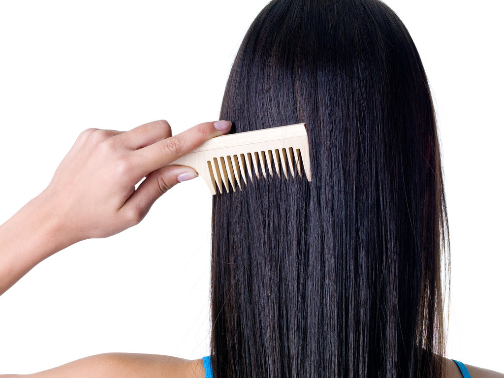 Our readers are taking the right steps to avoid a dry scalp and grow long hair by repinning these dermatologist hair tips.