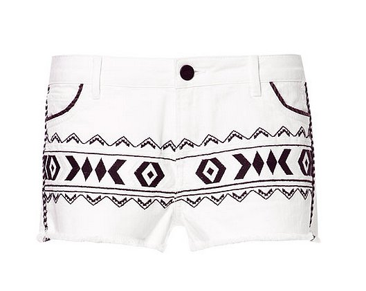 Why not jazz up your basic denim cutoffs with these Zara ikat shorts ($50, originally $70)? We think Karolina Kurkova looked pretty good in them.