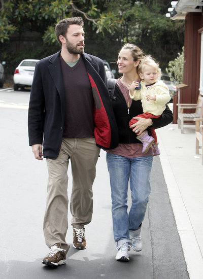 Jennifer Garner gave Ben Affleck a sweet look during a May 2007 outing.