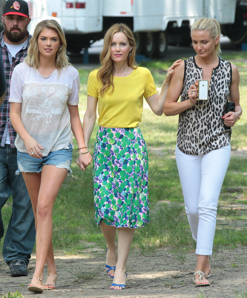 Cameron Diaz, Leslie Mann, and Kate Upton walked around on set.
