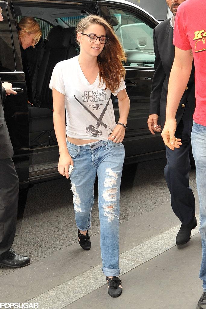 Kristen Stewart got lunch after the Zuhair Murad runway show.
