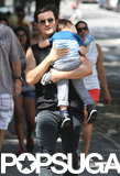 Orlando Bloom carried Flynn home.