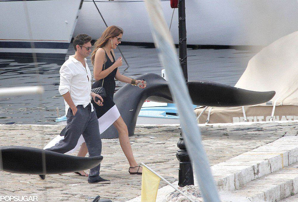 Ryan Seacrest and Dominique Piek walked to a boat.