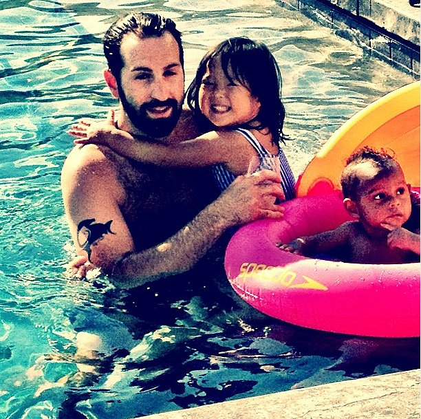 Josh Kelley got in some pool time with Naleigh and Adalaide. Source: Instagram user joshbkelley