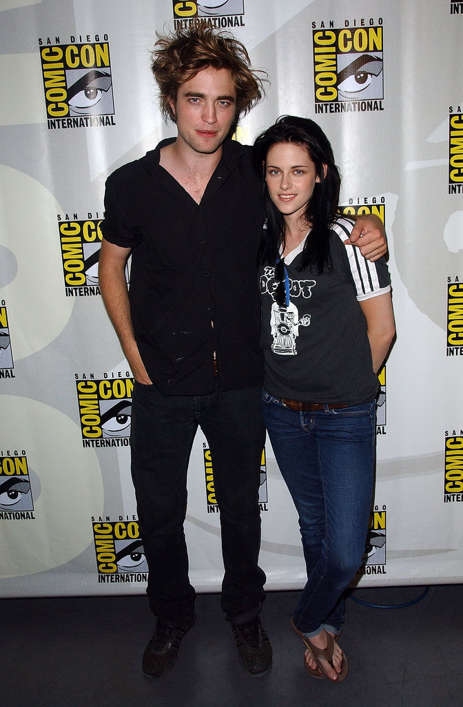 Robert Pattinson and Kristen Stewart stayed close during the first day of Comic-Con in 2008.