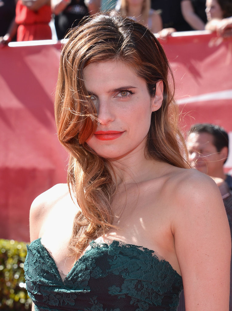 Lake Bell Photos