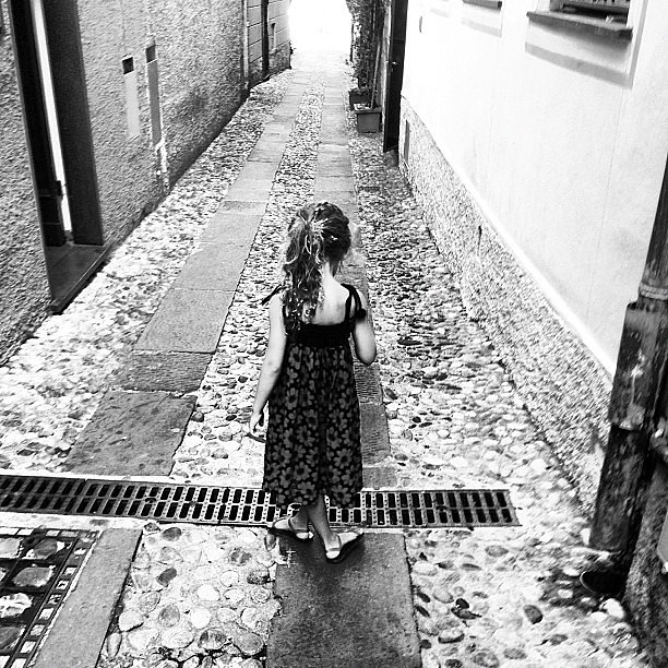 Harlow Madden walked the cobblestone street. Source: Instagram user joelmadden