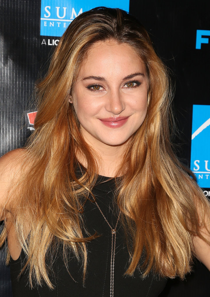 With her new blond hair on display, Shailene Woodley opted for a sexy smoky eye and glossy lips.
