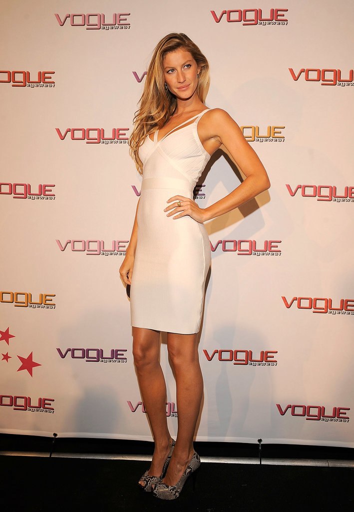 Gisele Bündchen in a White Bandage Dress at a 2008 Vogue Eyewear Event