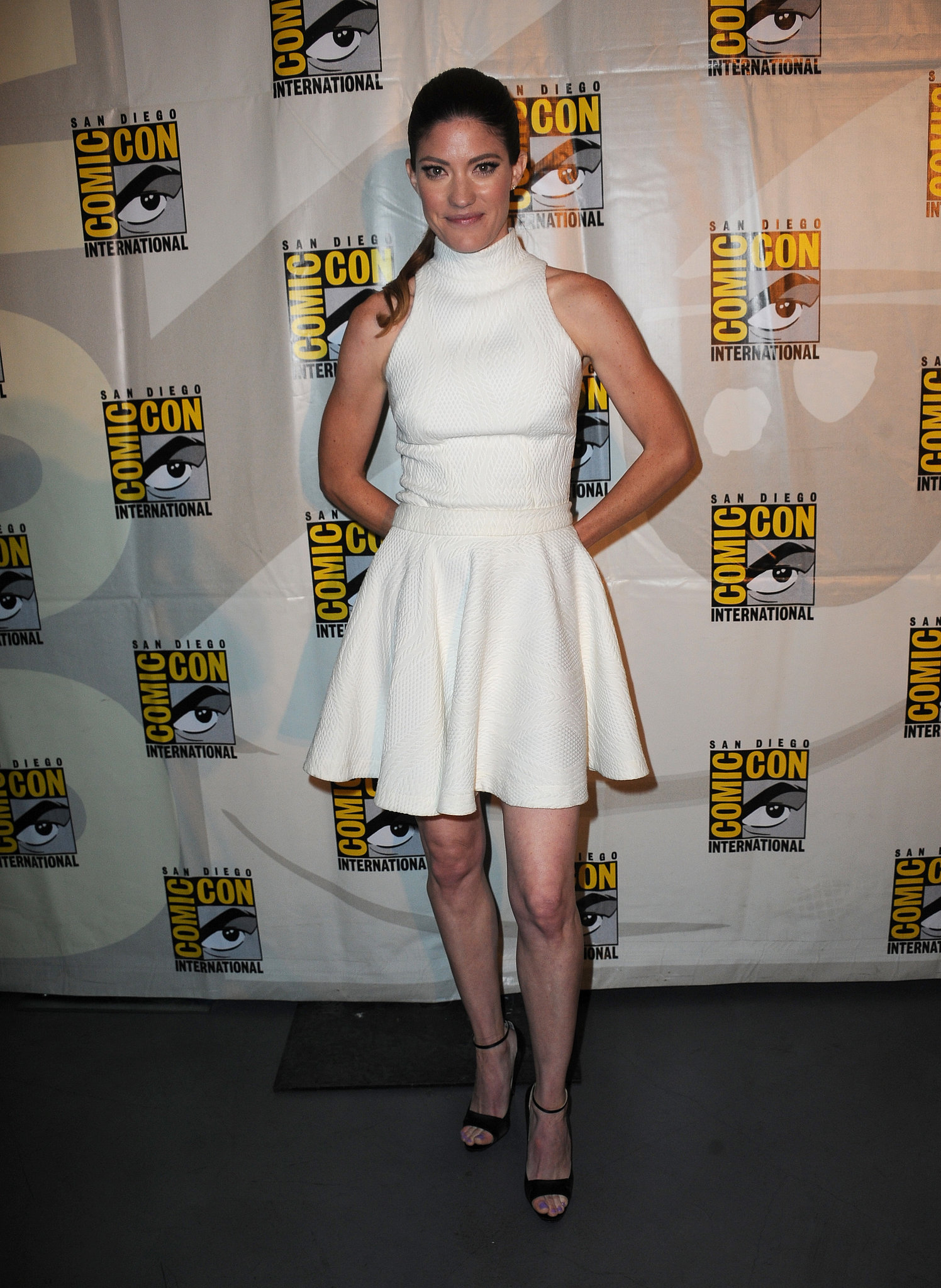 Jennifer Carpenter wore a gorgeous white dress to the Dexter panel on Thursday.