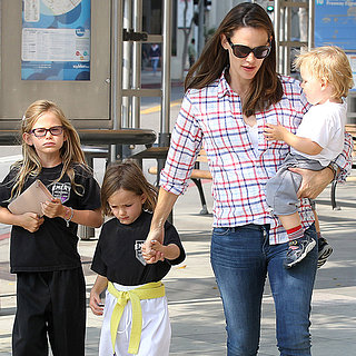Jennifer Garner Takes Her Kids Shopping in LA