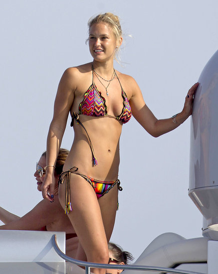 Bar Refaeli sported a sexy string bikini while hanging out on a yacht in Spain with friends.