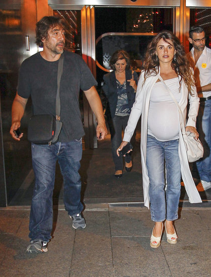 Penélope Cruz and Javier Bardem met up with her family for dinner in Madrid, Spain.